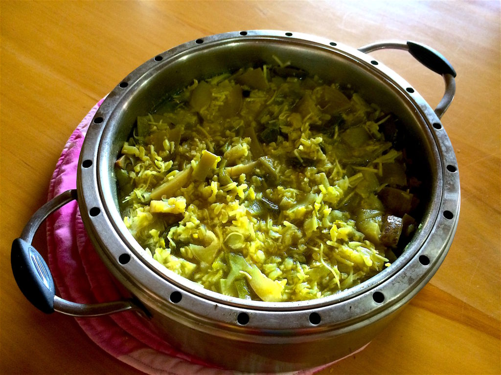Steamed Veggie Rice With Coconut